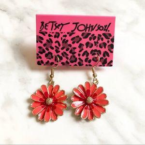 🎉 NWT Betsey Johnson Daisy Earrings